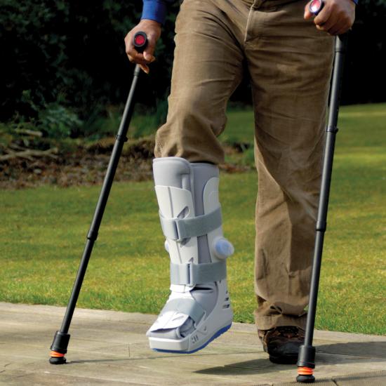 Flexyfoot Closed Cuff Anatomic Grip Crutch