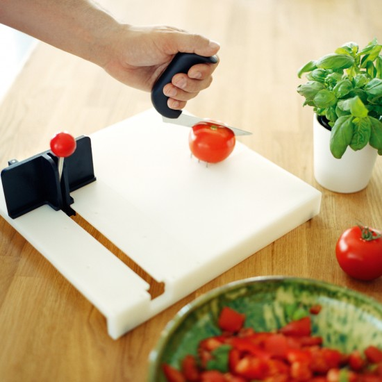 One Handed Chopping Board
